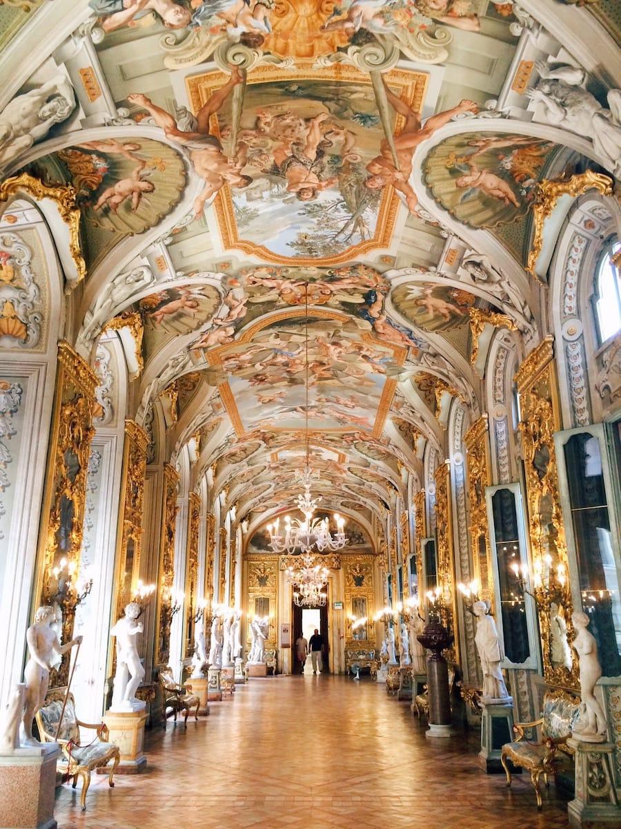 Mysterious family tales at palazzo doria pamphilj - Cornici specchi roma ...