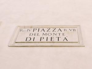 Piazza del Monte di Pietà
