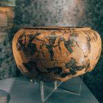 "Vase of Greek manufacture, 6th century BC, from the sacred area of the Thirteen Altars, fourth room of Civitas religiosa, Museo Civico Archeologico ""Lavinium"", Pomezia (RM)"