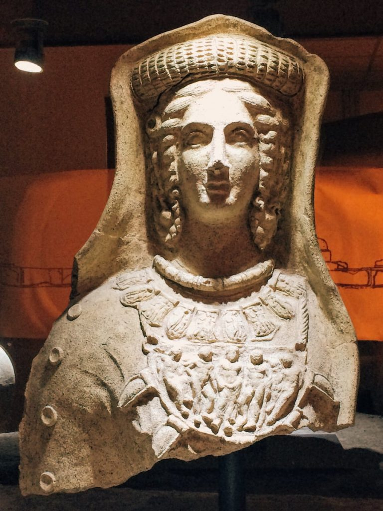 "Votive terracotta bust coming from the store of Minerva sanctuary at Lavinium, second room of Mundus muliebris, Museo Civico Archeologico ""Lavinium"", Pomezia (RM)"