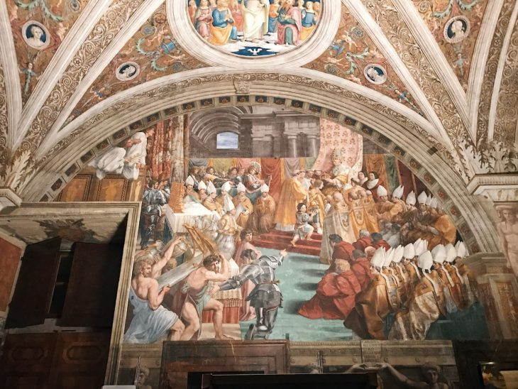 Raffaello Sanzio and helpers, Coronation of Charlemagne, Stanza dell'Incendio di Borgo, fresco painting, ca. 1516-1517, Vatican Museums
