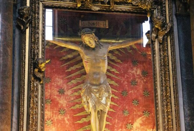 Crucifix, 15th century, wood, Rome, chiesa di San Marcello al Corso