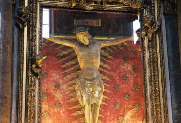Crucifix, 15th century, wood, Rome, chiesa di San Marcello al Corso