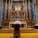 Pope Francesco venerating the Salus Populi Romani icon, Rome, basilica di Santa Maria Maggiore, cappella Paolina, 15 March 2020