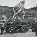 Transportation of Hercules and Lychas by Antonio Canova to the Galleria Corsini, Rome, 1901 (detail). Image (C) Galleria Nazionale d'Arte Antica