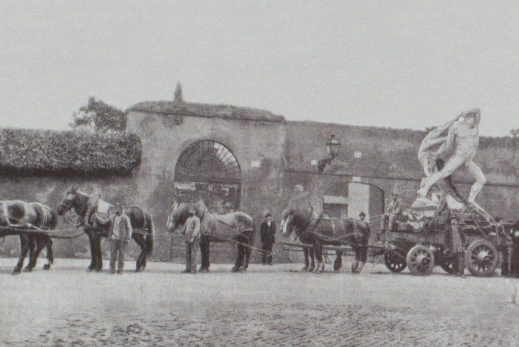 Transportation of Hercules and Lychas by Antonio Canova to the Galleria Corsini, Rome, 1901. Image (C) Galleria Nazionale d'Arte Antica